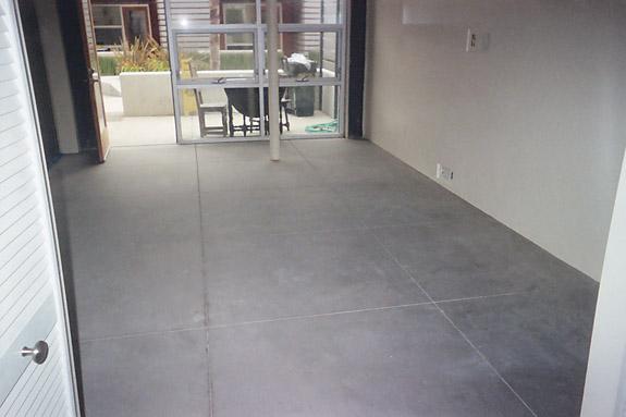 Как залить бетонный пол в частном доме своими руками